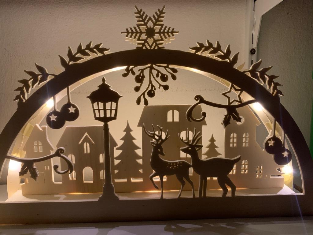 Adventsfensterbild 2020, Gartenhütte
